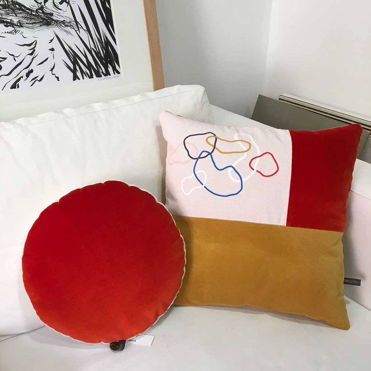 coussin-serigraphie-textile-velours-rond-idealists-dont-stop-toulouse